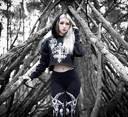 Joan Wolfie - Widow The Devil Inside Hoodie, Widow Lord Of Darkness Leggings - The Devil Inside || IG: @joanwolfie