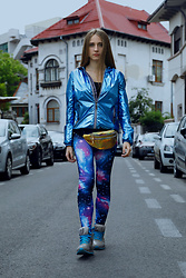 DanyIce - New Yorker Jacket, Cotton Leggins, Old Sneakers - Intergalactic