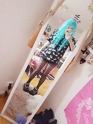 Alex Kawaii - Second Hand Wig, Ikea T Shirt, H&M Heart Tights, Mary Jane Platform, H&M Bats - Pastelgoth