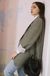 Life Stalkers - Sen Handmade Knitted Bag, Levi's® Highwaist Men's Jeans, Vintage Checkered Blazer - Daddy's Blazer