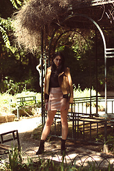 Christina - Favela Croco Ankle Boots, Decoro Leather Skirt, Bershka Shirt, Leather Jacket - Nature