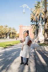 Mirjam - Coach Bag, Mango Boots, Zara Coat, Hermès Scarf - Winter in Barcelona