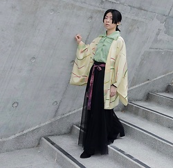 Flosmoony - Vintage Haori, Vintage Shirt - Grey Wall Shooting 4