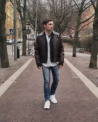Andreas Sundbom - Tiger Of Sweden Leather Jacket, Hope Light Down Jacket, Our Legacy Shirt, Tiger Of Sweden Jeans, Axel Arigato Sneakers - Lunch break