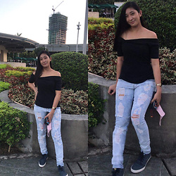 Ritz D - B.U.M Tattered Jeans, Forever 21 Off Shoulder Top, Lacoste - Take My Happy Heart Please