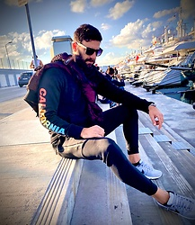 Dimitris Mouzos - Nike Air 90 Shoes, Nike Pants, Hollister Hoodie, Ray Ban Sunglasses - Just A day