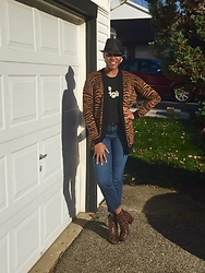Lisa - Who What Wear Brown Snake Skin - Print mix w/ brown snake skin boots