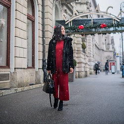 Mirjam - Jumpsuit, Teddy Coat, Shopper - Christmas in Zagreb