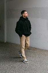 Kevin Elezaj - Vans Sneakers, Urban Outfitters Pants, Fila Jacket - December 19th