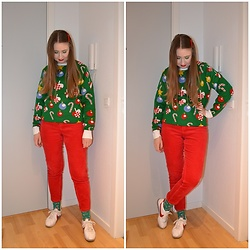Mucha Lucha - Juelsweaters Jumper, Monki Trousers, Nike Sneakers - Very christmassy