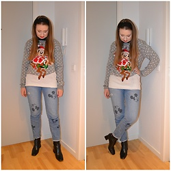 Mucha Lucha - Shopdisney Jumper, H&M Jeans, Topshop Boots - Disney Christmas