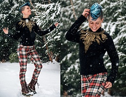 Carolyn W - Zara Elaborate, H&M Plaid, Sorel Snowy - Christmas Eve 2020
