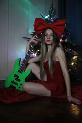 DanyIce - H&M Red Dress, Handmade - Merry Christmas