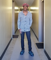 Thomas G - Beret Newsboy Cap, Old Navy Button Down Cardigan, Stretch Denim, Skechers Go Run Forza - Newsboy cap | Cardigan | Stretch jeans