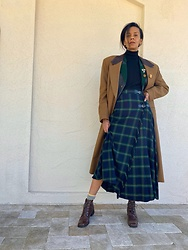 Luna Nova - Vintage Kilt Skirt, Vintage Blazer And Coat, Vintage Boots - Outlandish