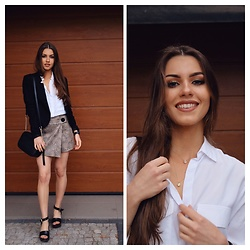 Victoria Kitala - Zara White Shirt, Zara Platform Sandals, Zara Animal Print Shorts, H&M Black Blazer, Bijou Brigitte Double Necklace, Coach Black Bag - Elegant & comfy