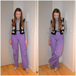 Mucha Lucha - H&M Roll Neck Top, Monki Sweater Vest, Second Hand Belt, Monki Trousers, Topshop Boots - More purple corduroy in the future