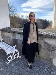 Anna Borisovna - Zara Coat, Sofie Schnoor Vest, Arket Boots, Bottega Veneta Sunglasses - The statement coat