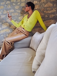 PAMELA - H&M Fitted Cardigan, Zara Camel Leather Pants - Casual Leather Pants