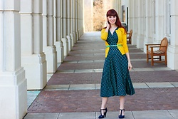 Bleu Avenue - Karina Dresses Margaret Dress In Navy With Green Polka Dots - Winterful Colorful