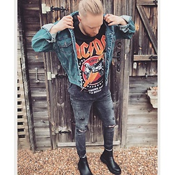 Thibaud Coquillon - Levi's® Denim Jacket, Pull & Bear Shirt, H&M Skinny Fit Jeans, Pull & Bear Boots, Asos Ring - #21