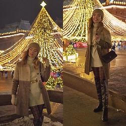 Natasha Karpova - Mango Baguette Bag, Mango Belt, Dilvin Sweater Dress - ✨ CHRISTMAS MOSCOW ✨
