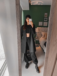 Mariana Garza - Zara Coat - Home office uniform