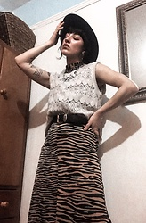 Weronika Bukowczan - Animal Print Maxi Dress, Vintage Crochet Beige Vest, Vintage Leather Belt, Black Hat - IG: @vintageshadeson
