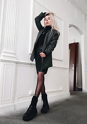 Anne-Cécile Van Doren - Asos Oversized Blazer, Vero Moda Faux Leather Skirt, Current Mood Industrial Uproar Combat Boots - Work outfit