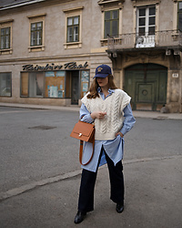 Daniela Guti - Bag, Vest, Jeans, Cap, Shirt - Outfit with the Vest
