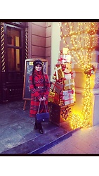Fia Van den Berg - Moschino Belt, Chanel Bag, Asos Wool Coat - Christmas mood