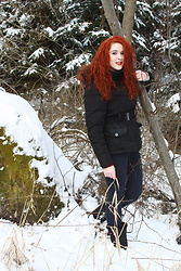 Kate P. - Janina Black Jacket - Winter time