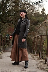 Weronika Bukowczan - Brown Maxi Dress, Vintage Brown Leather Coat, Vintage Black Leather Knee High Boots, Black Wool Oversized Jumper - IG: @vintageshadeson