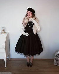 Mari Susanna - Vintage Hat, Fox & Gloves, Handmade By Me Pearls, H&M Blouse, Innocent World Dress, Minna Parikka Shoes - Vintage inspired