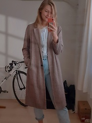 Nori - Primark Checked Spring Coat, Uniqlo White Blouse, Zara Mom Jeans - TIME FOR GROCERY SHOPPING