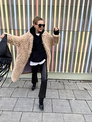 Anna Borisovna - Liv Bergen Coat, Asos Sweater, Mango Bag, H&M Pants - The Teddy Coat