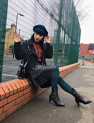 Weronika Bukowczan - Vintage Leather Boots, Zara Faux Leather Black Knee Length Pleated Skirt, Faux Leather Black Mini Skirt, Corduroy Black Biker Jacket, Plaid Checkered Red Shirt, Navy Blue Cross Body Bag, Checkered Plaid Beret - IG: @vintageshadeson