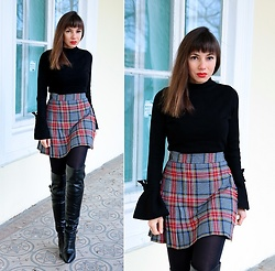 Jointy&Croissanty © - Bonprix Sweater - Plaid and black