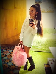 Fia Van den Berg - Dolls Kill Money Fur Bag, Forever 21 Hoodie, Mango Boots - Ari