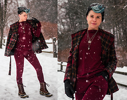 Carolyn W - Femme Luxe Red Set, Plaid, Sorel Winter - Snow Day