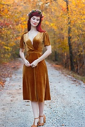 Bleu Avenue - Bettie Page Tan T Strap Heels, Forever 21 Golden Velvet Wrap Dress - Homage to the Harvest
