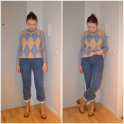 Mucha Lucha - Soyaconcept Sweater Vest, H&M Roll Neck Top, H&M Jeans, Monki Socks, Asos Boots - Blue and beige