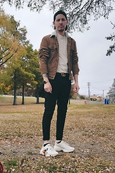 Dillon Magill - Gucci Rhyton Mickey Shoes, Gucci Gg Marmont Belt, H&M Corduroy Jacket, Asos Off White Mock Neck Tshirt, Michael Kors Runway Smart Watch - Where did fall go?