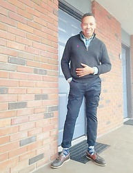 Greg Prince - Polo Ralph Lauren Sweater, H&M Chinos, Sperry Boat Shoe, Tommy Hilfiger Socks - Black & Aqua