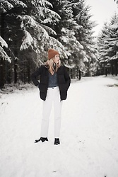 Daniella Robins - Cos Puffer Coat - Family Walks In A Winter Wonderland