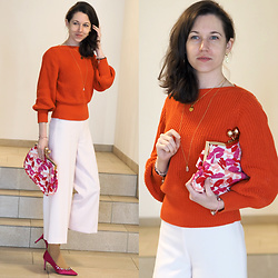 Claire H - H&M Red Knit Sweater, &Otherstories Clutch With Lips, H&M Rosa Culottes, H&M Pointed, Embellished Satin Heels - The power of Love