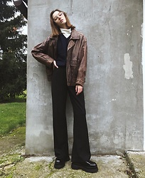 Maria Joanna - Bershka Shoes, Bershka Wide Pants, Vintage Jacket, Vintage Vest, Uniqlo Turtleneck - Vintage vibes