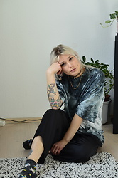 Kelly Doll - Collusion Oversized Shirt, Black Trousers, Glittersocks With Unicorns And Astronauts - Leer