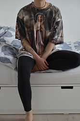 Kelly Doll - Adidas Black Leggings, Vintage Oversized Shirt - So what