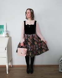 Mari Susanna - Mint & Berry Blouse, Made By My Friend Mimi Dress, Souvenir From Rome Bag, Tamaris Boots - Powder pink x black